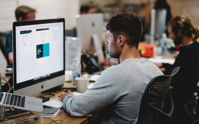 10 compelling reasons why you should hire a professional web designer